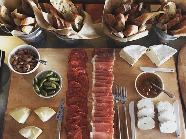 Missing Parisian style picnics along La Seine? Stop by Tender for a #tbt charcuterie board with fresh French baguettes from @janeonlarkin • • • • • #tendersf #paris #france #laseine #sanfrancisco #bayarea #westcoast #wine #winetasting #wine #cheers #salut #chinchin
