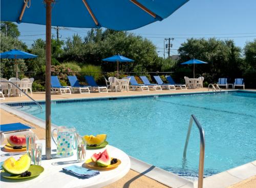 Solar-Heated Pool & Cabana