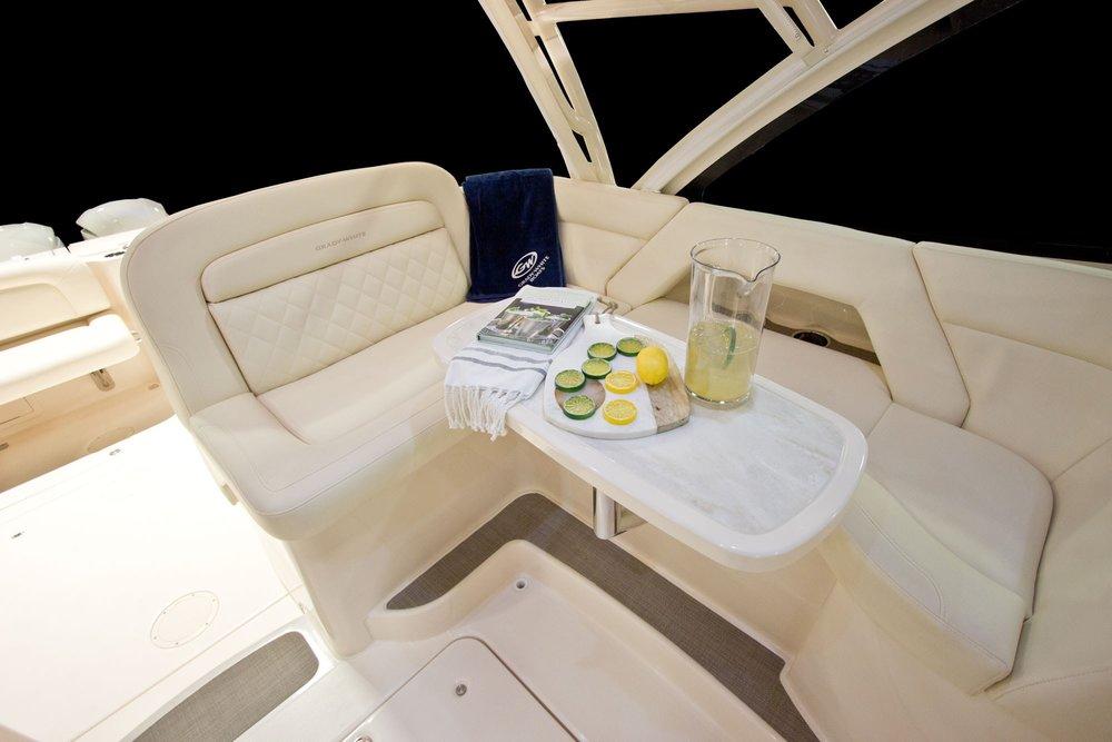 Zmy17_375_seating-companio.jpg