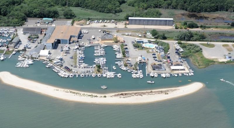 Year-round dockage -