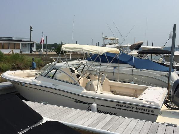 POE-Pre-Owned 2012 GW Freedom 225_from bow.jpg