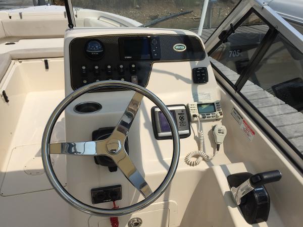 POE-Pre-Owned 2012 GW Freedom 225_helm.jpg