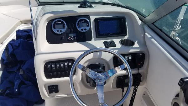 2016 Robalo R227 Dual Console helm.jpg