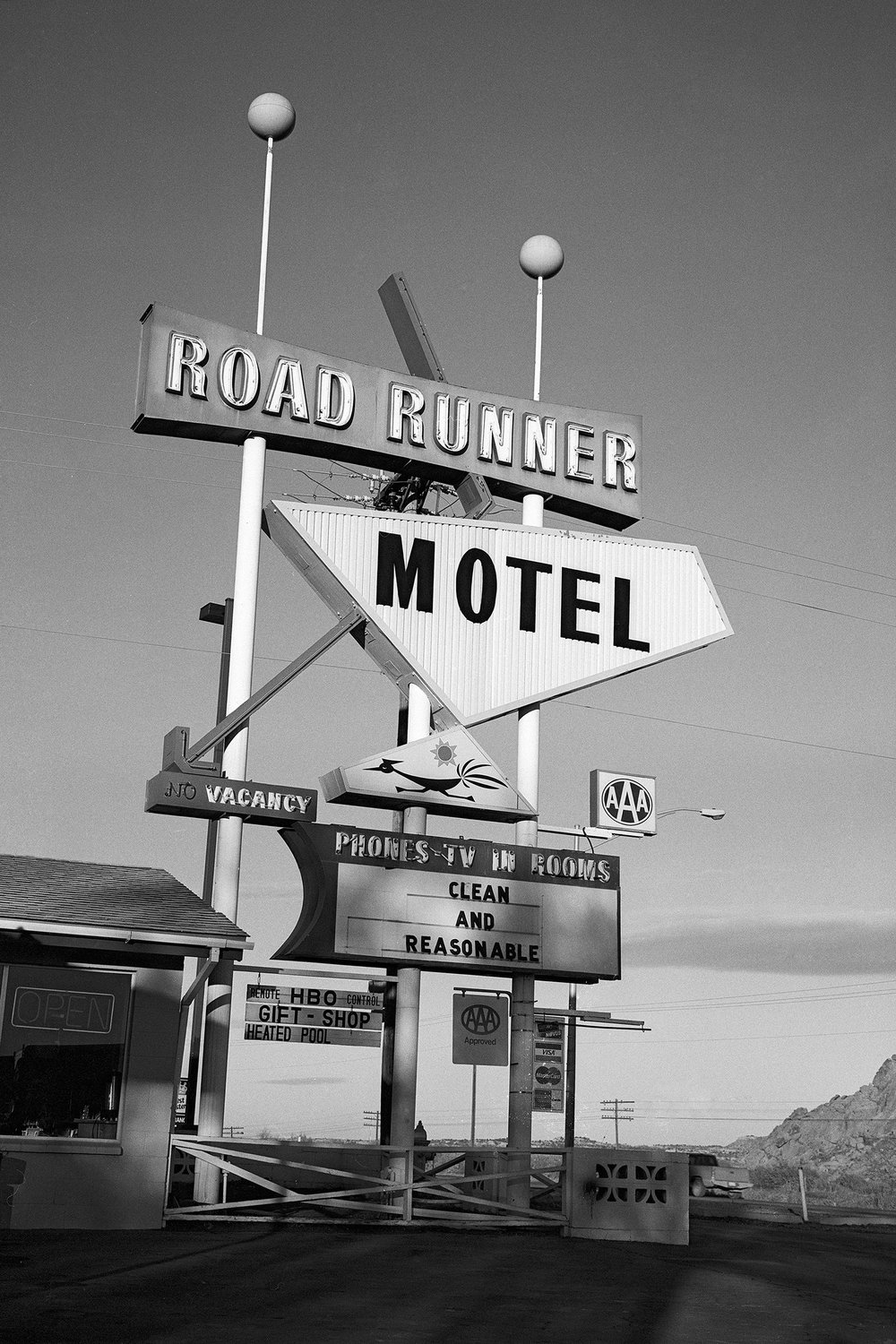 ROAD RUNNER MOTEL ROUTE 66