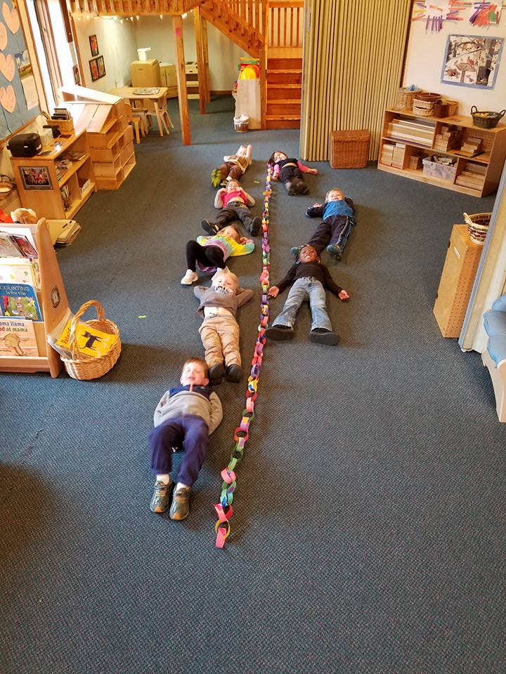 Classroom_Butterfly paper chain.jpg