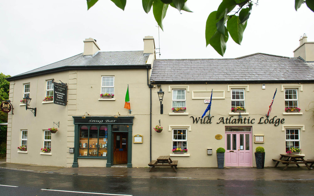 wild-atlantic-lodge-snug-bar-wild-flower-ballywaughan-restaurant.jpg