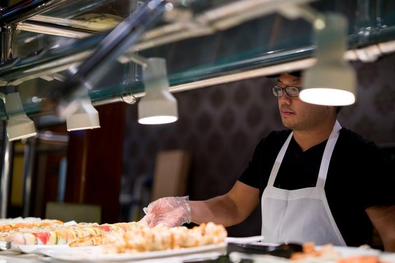 Eating Keto & Paleo Diet-Friendly Foods at Restaurants