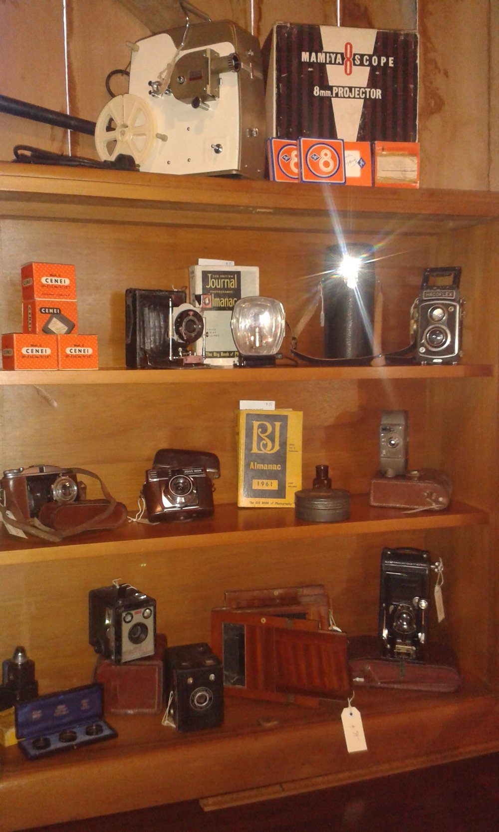 Vintage cameras& accessories from 1890-1960