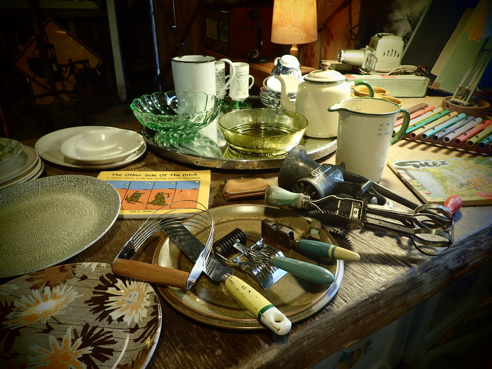 Tala,Nutbrown & Skyline kitchen utensils, made in good old England, indestructible potatoe mashers, pastry blenders, apple corers, fish slices, whisks... these old kitchen tools have withstood the test of time and are still good to use today. Vintage = quality.