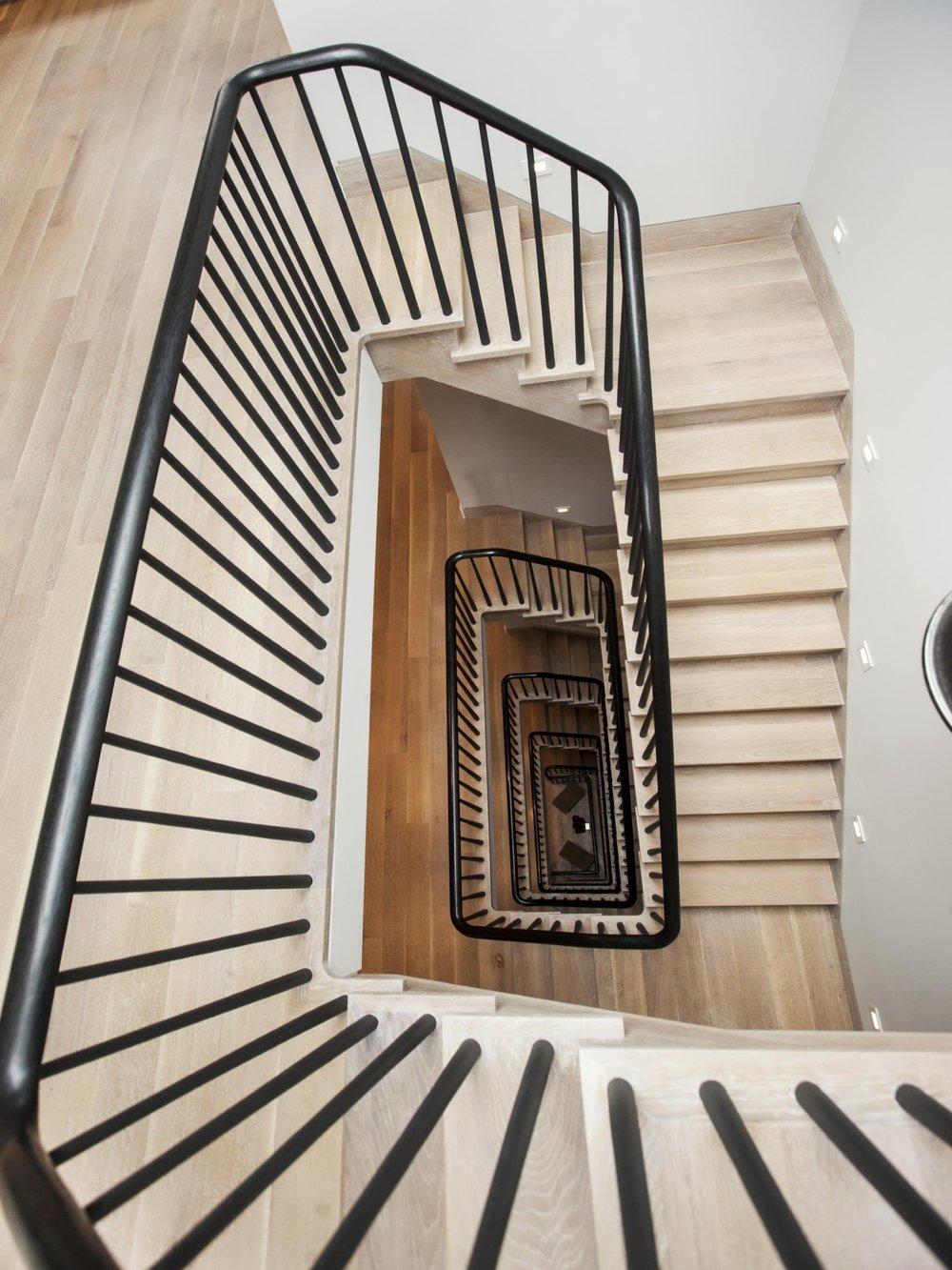 04_stair01.jpg