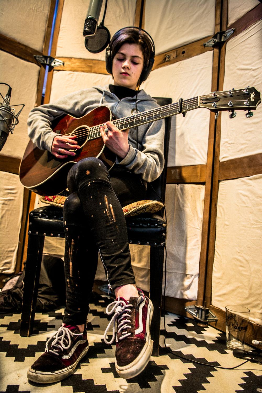 Ava_Guitar_Shoes-9665.jpg