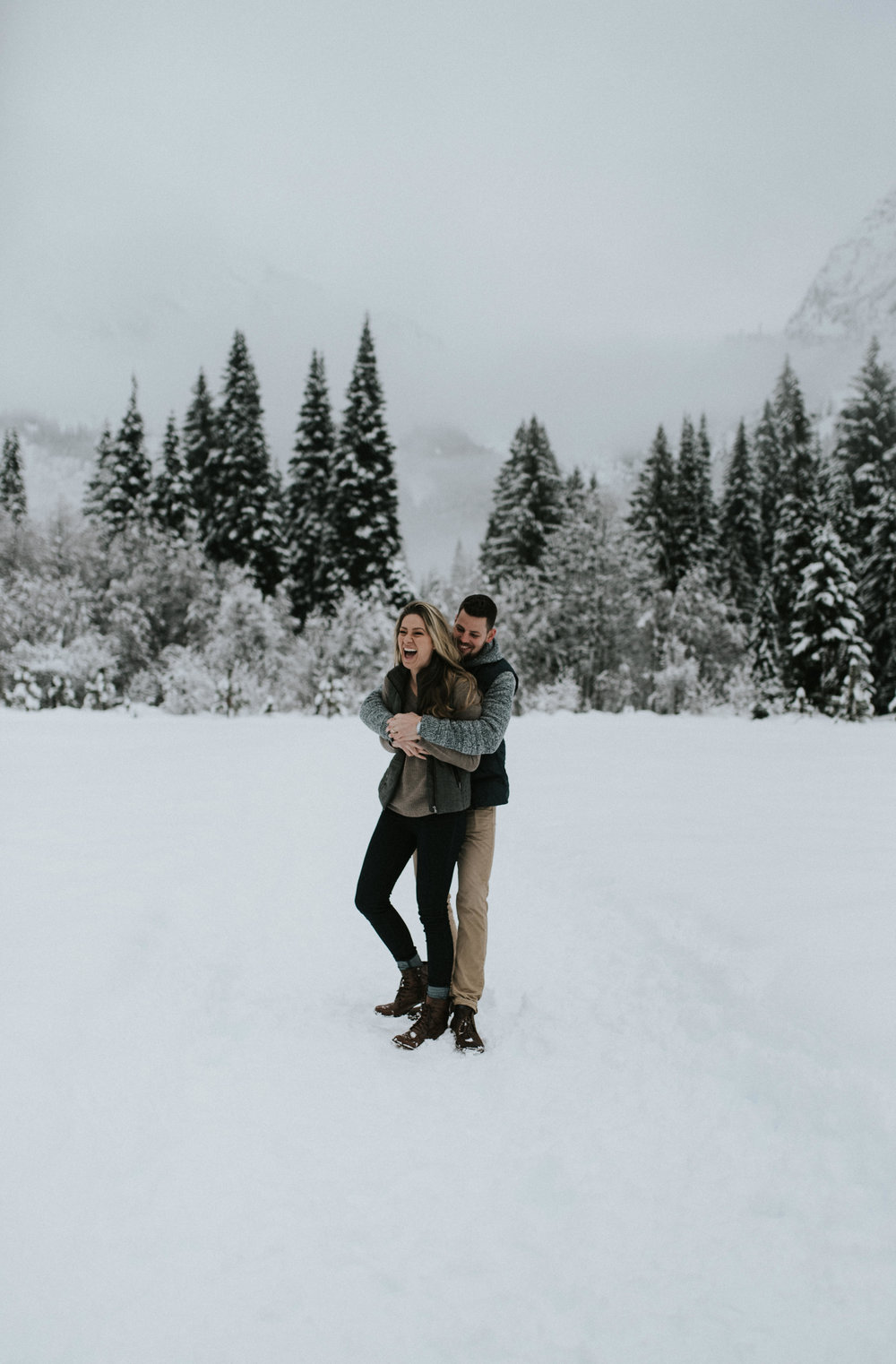 PNW adventure elopement and wedding photographer. North Cascades National Park elopement photographer.