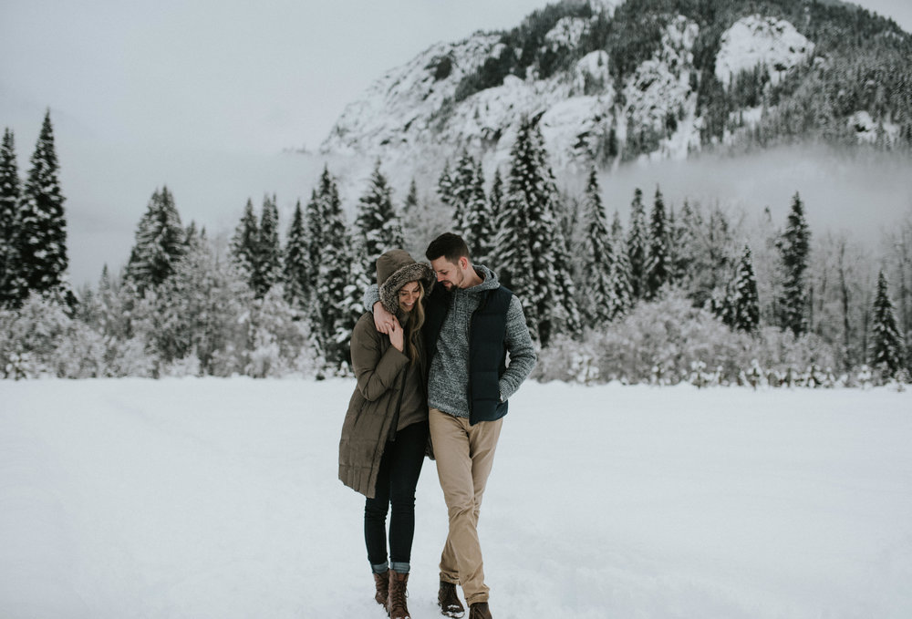 Leavenworth, Washington winter engagement session in the North Cascades