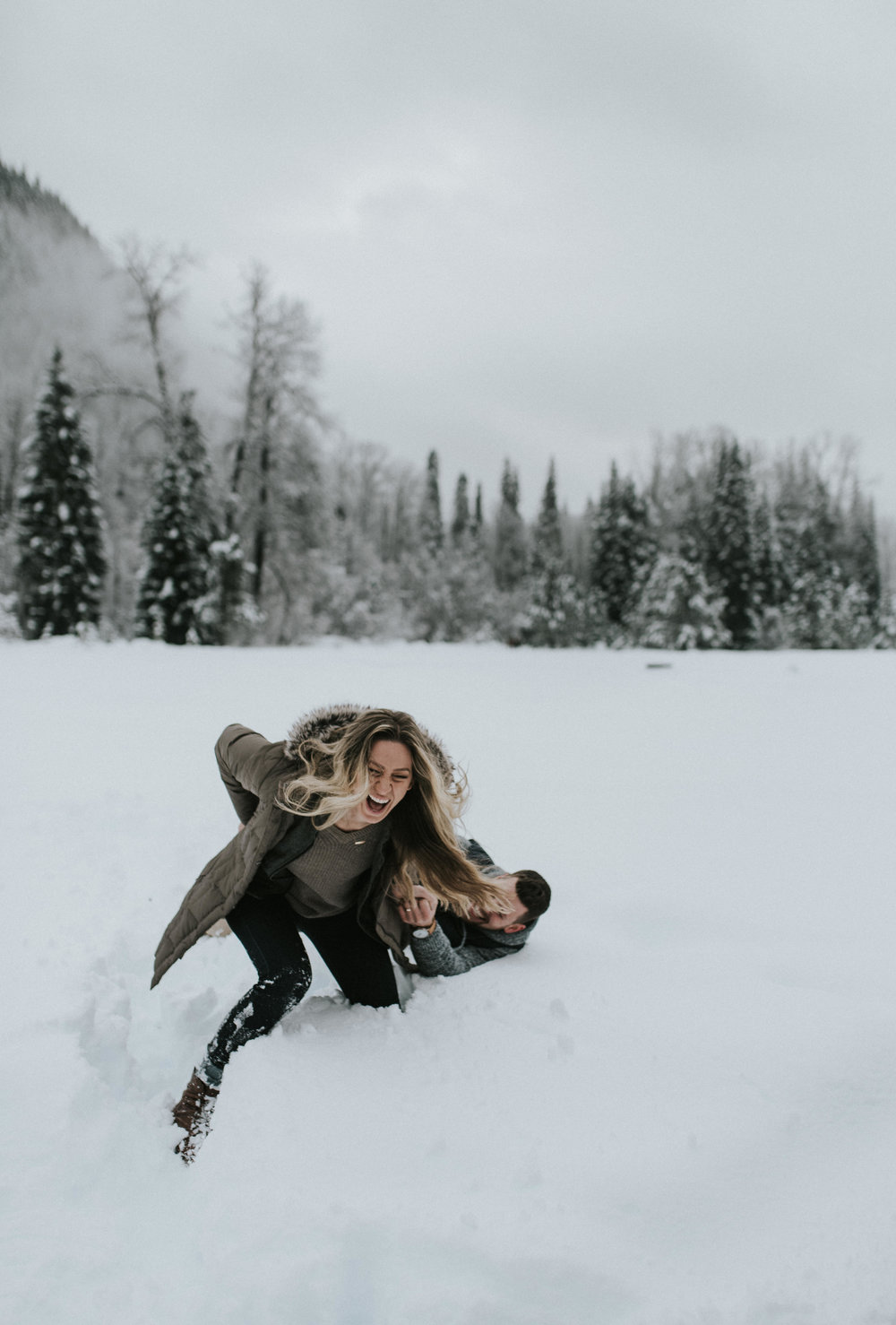 Adventure engagement session in the North Cascades. Washington & Oregon adventure wedding photographer.