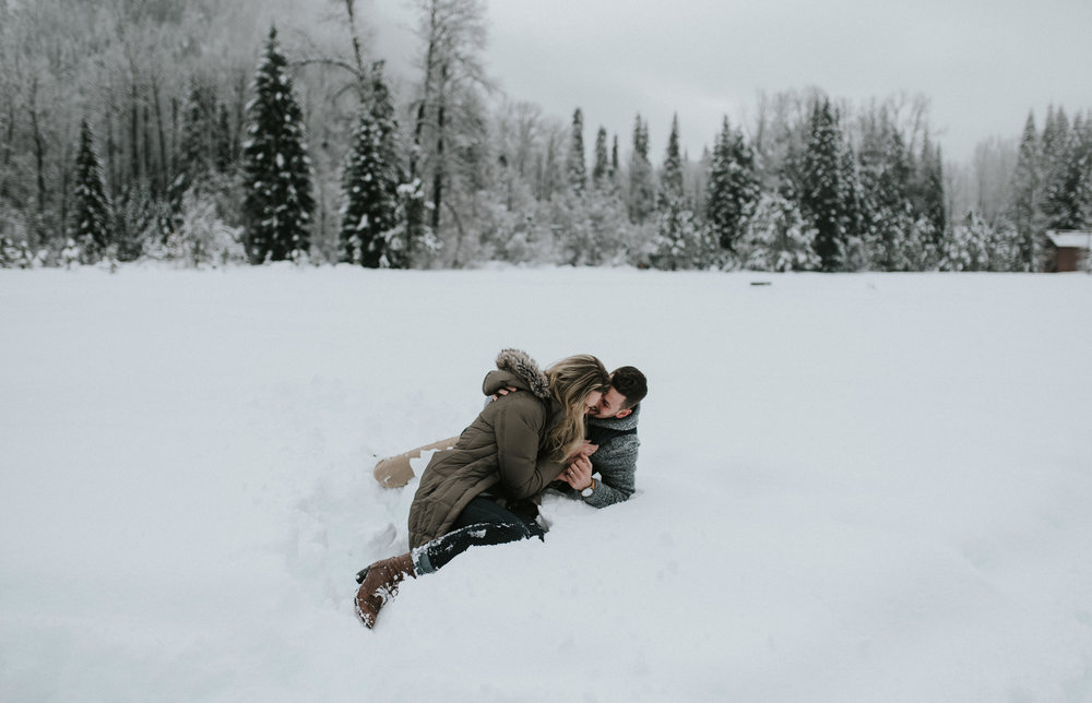 Snowy engagement session in the North Cascade mountain range.