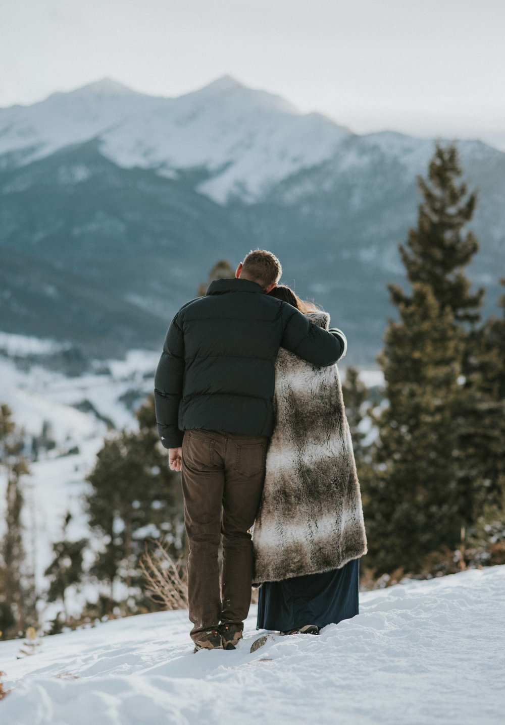 Adventure mountain elopement photographer based in Colorado.