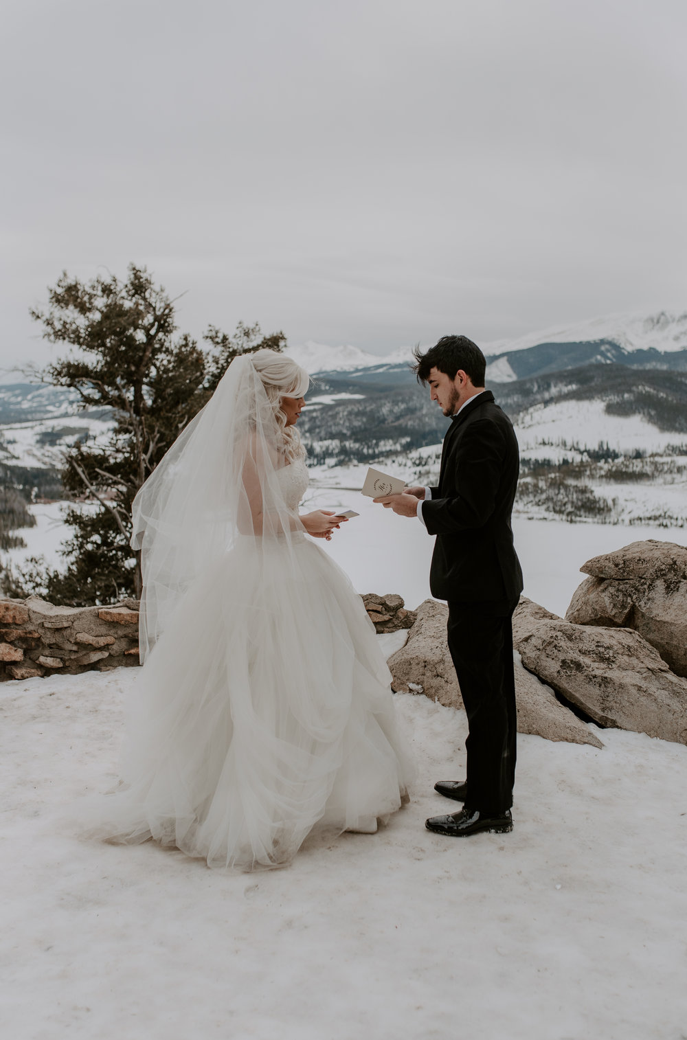 Colorado elopement photographer based in Denver. Sapphire Point winter elopement.