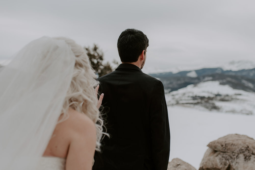 Colorado wedding photography, first look at Sapphire Point for a winter elopement.