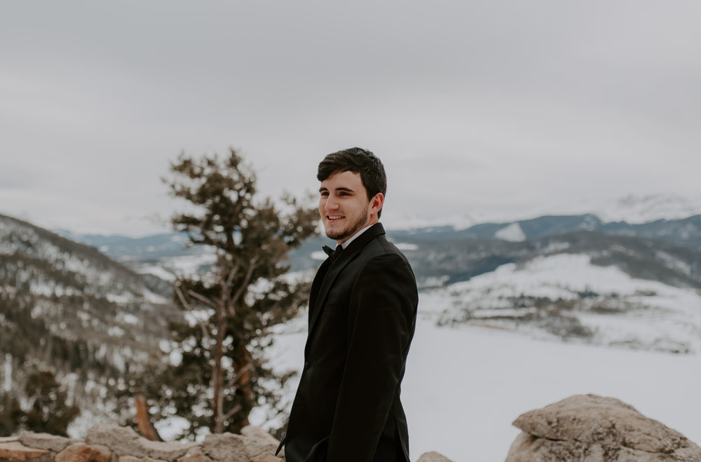Sapphire Point winter elopement in Colorado. First look before ceremony. Colorado elopement and intimate wedding photographer.