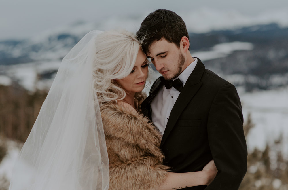 Elopement at Sapphire Point in the winter in Colorado. Destination adventure wedding and elopement photographer.