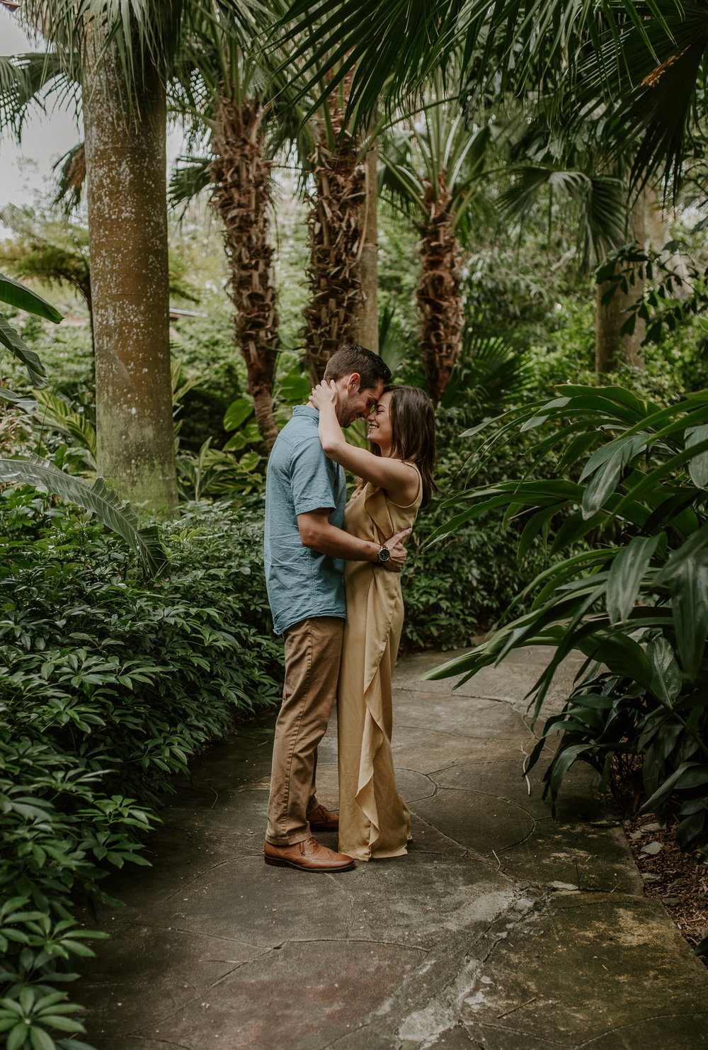Tampa, Florida engagement session. Florida engagement session photographer at Sunken Gardens.