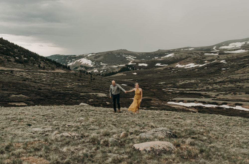 Colorado elopement photography. Colorado wedding photographer.