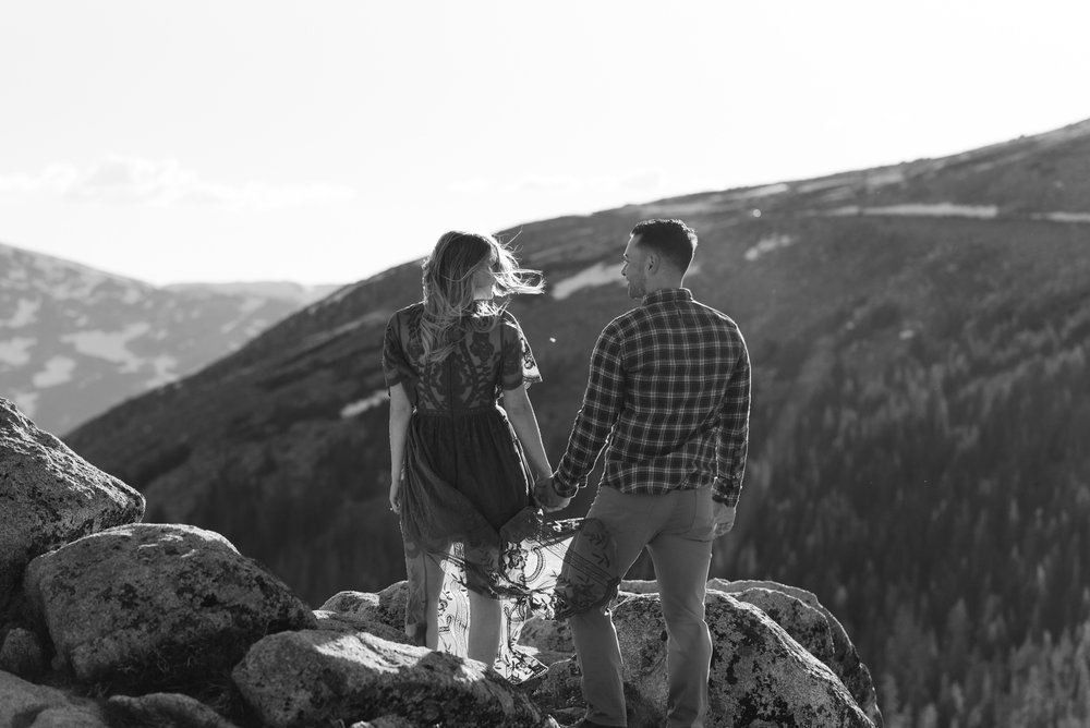 Intimate Colorado wedding at Trail Ridge Road