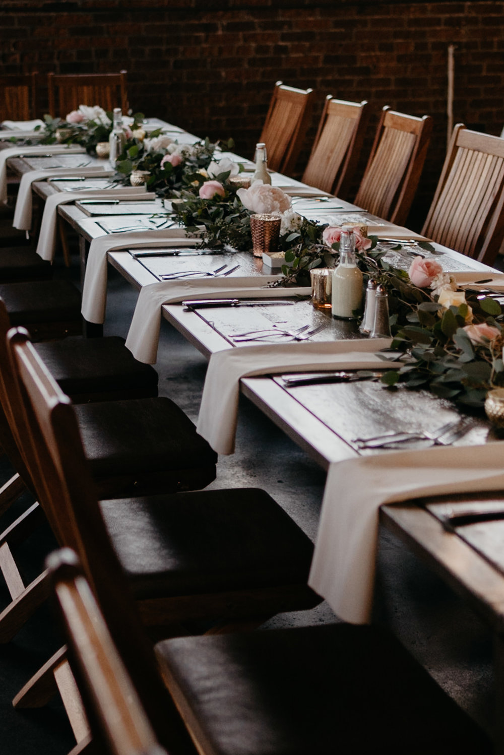 Table florals at Moss Denver wedding. Moss wedding photographer