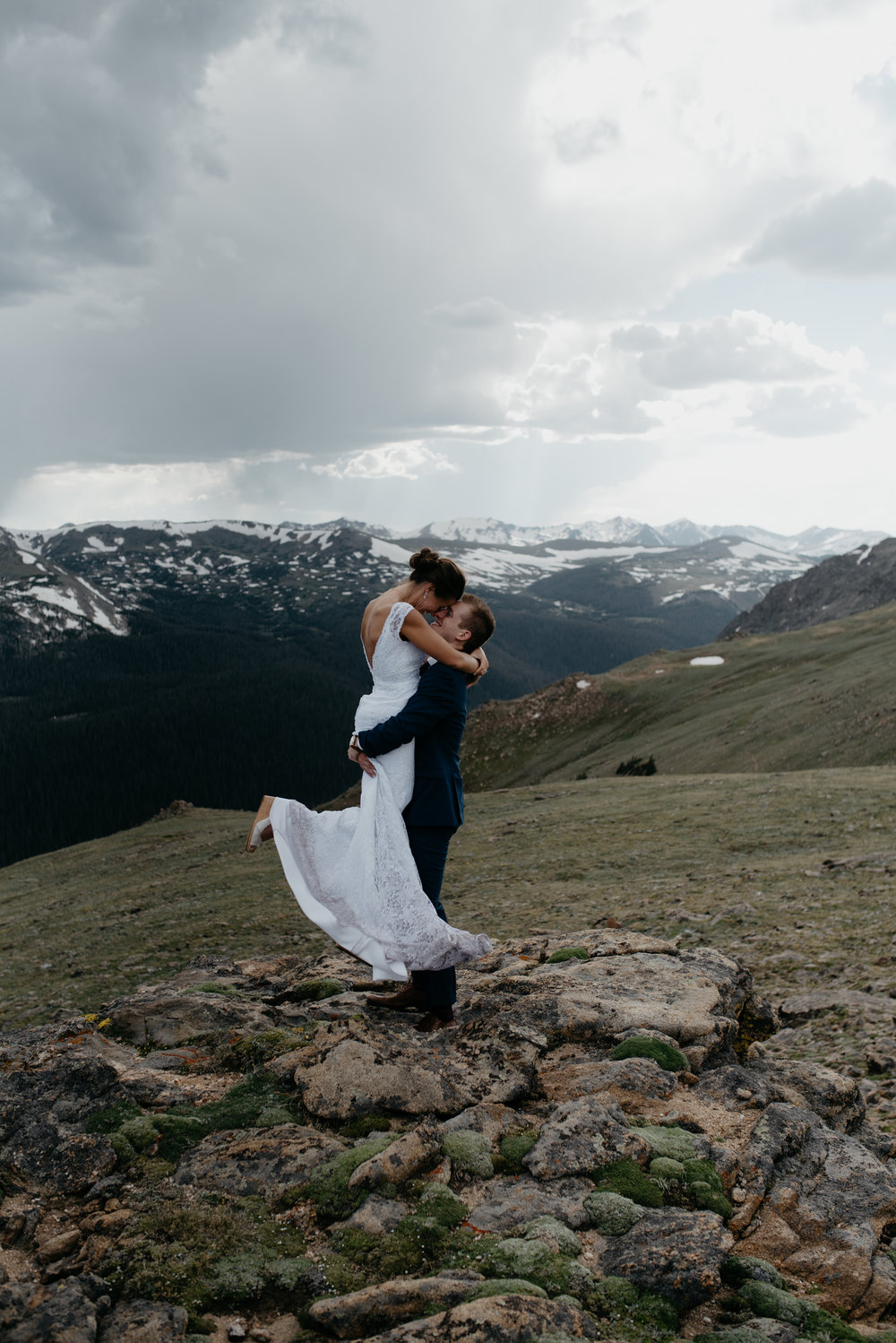 Colorado destination elopement. Rocky Mountain National Park elopement at 3M curve.