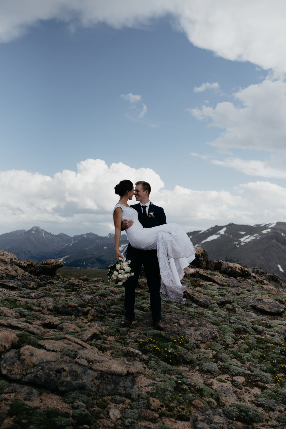 Colorado adventure elopement photographer. Trail Ridge Road elopement.