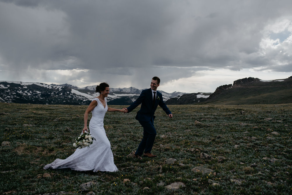 Trail Ridge Road wedding photos in Rocky Mountain National Park. Colorado elopement photographer.