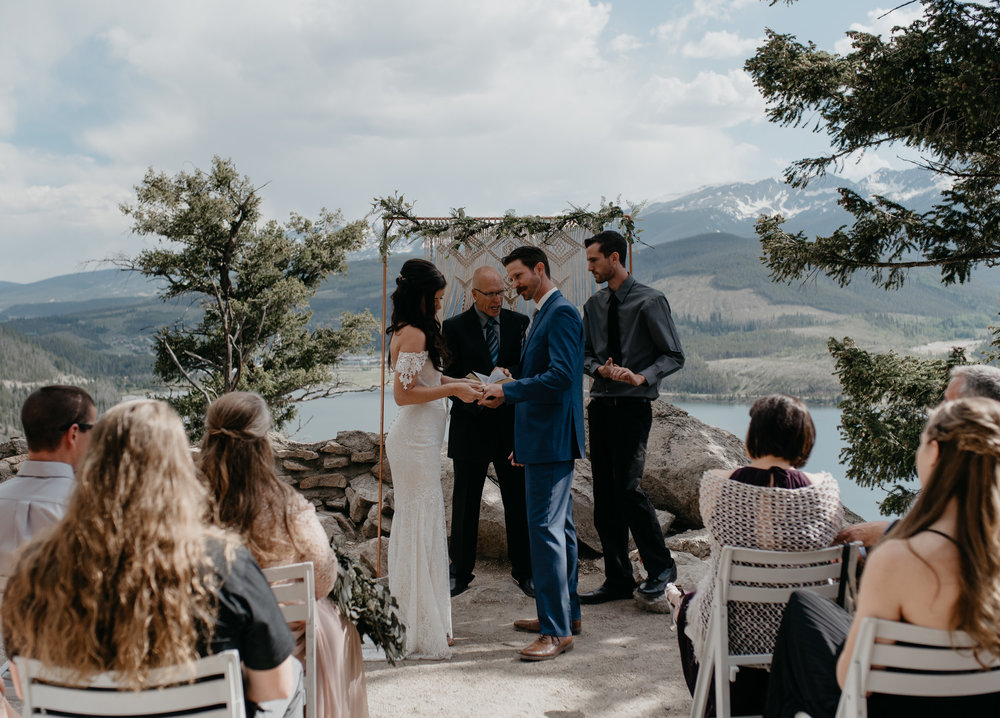 Sapphire Point wedding ceremony in Dillon, Colorado. Colorado elopement and wedding photographer.