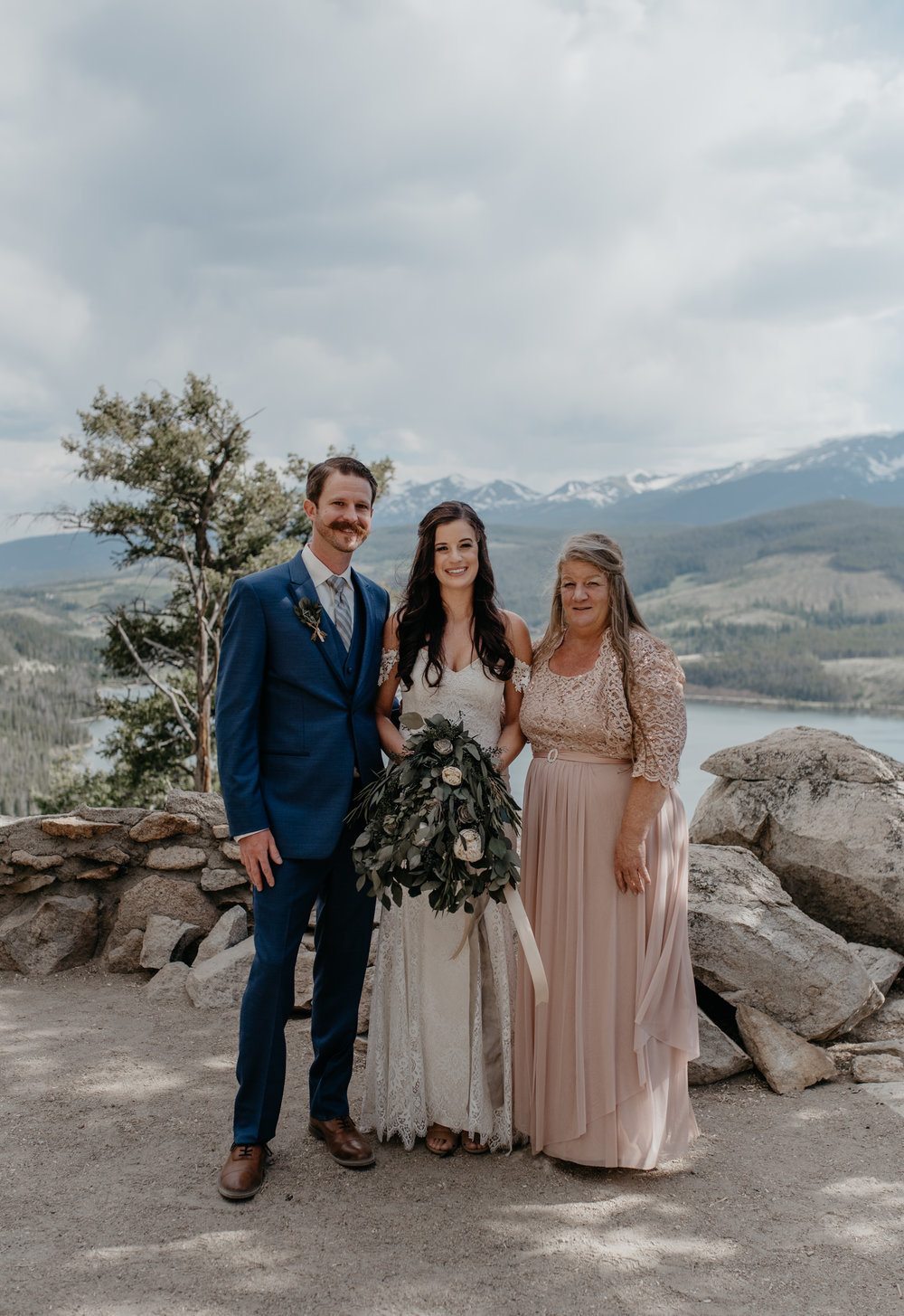 Family photos at Sapphire Point wedding in Breckenridge, Colorado. Colorado mountain wedding photographer.
