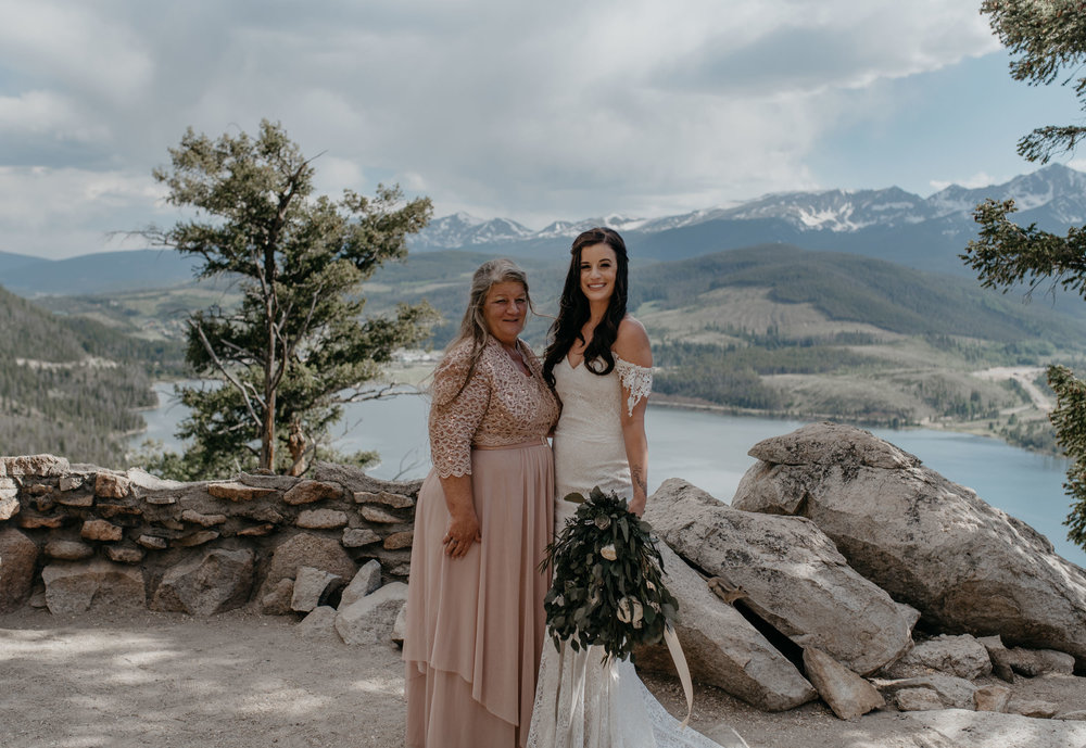 Alyssa Reinhold, Colorado elopement photographer. Colorado wedding at Sapphire Point.