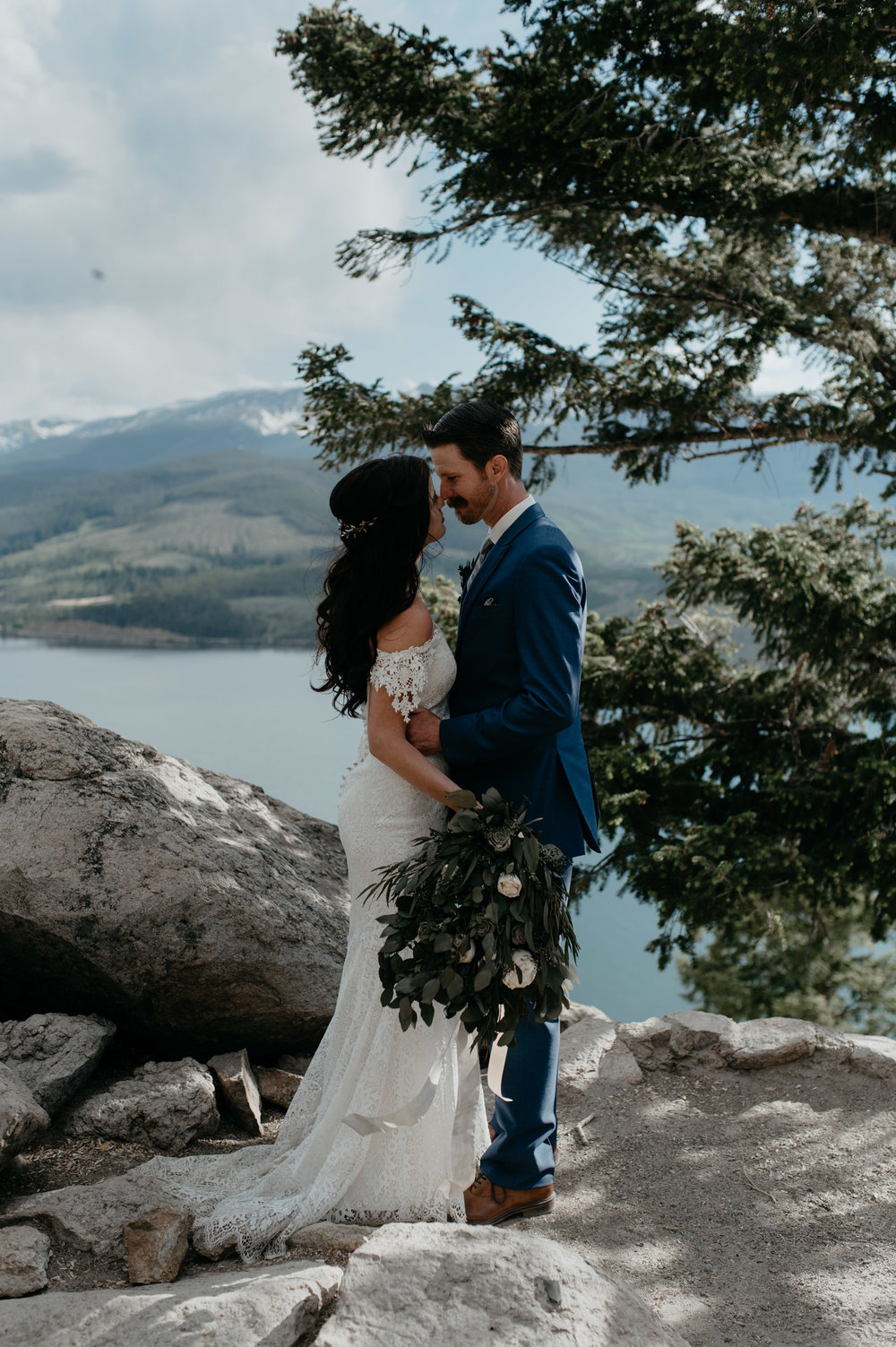 Colorado destination wedding in the mountains at Sapphire Point. Breckenridge elopement photographer