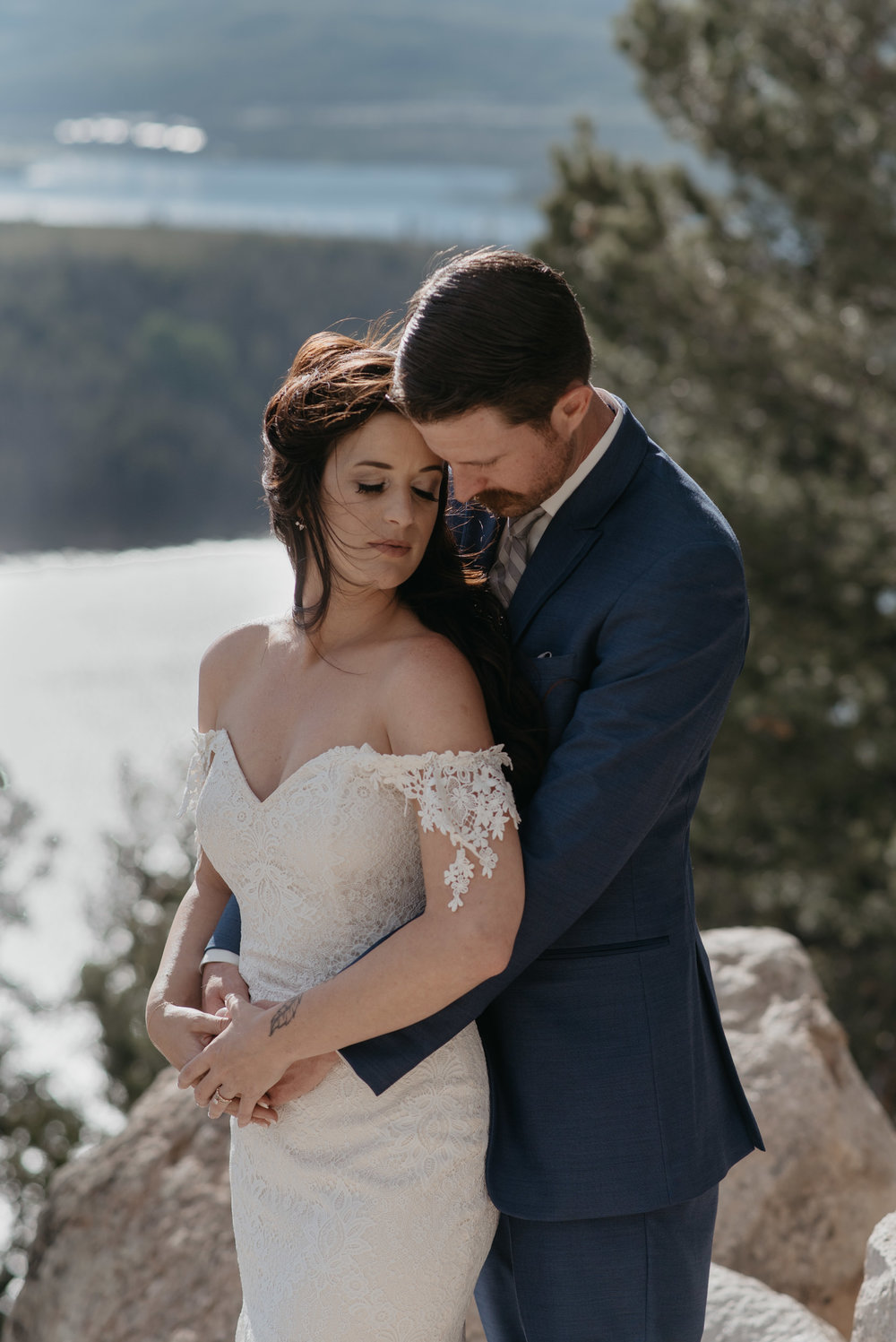 Intimate Colorado wedding at Sapphire Point. Colorado wedding and elopement photographer.