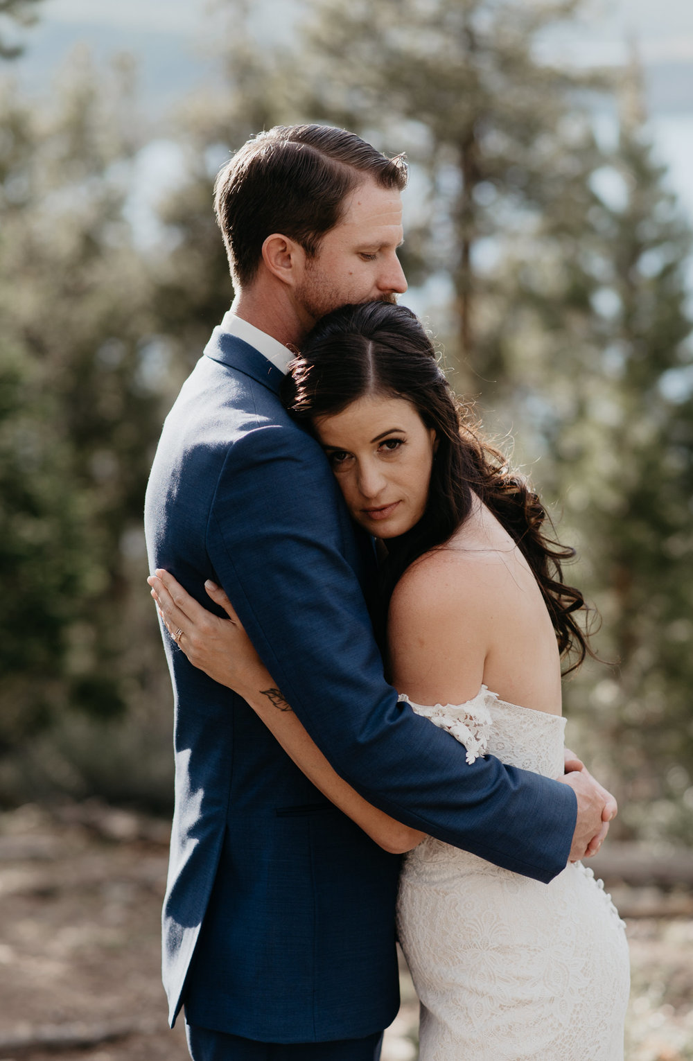 Wedding in Colorado at Sapphire Point. Colorado wedding photographer.