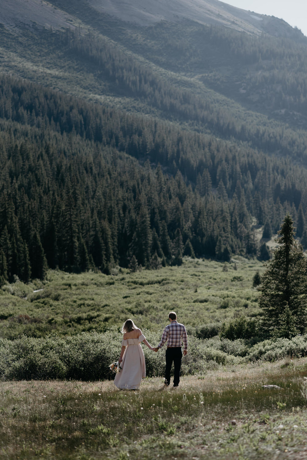 Alyssa Reinhold, Colorado based elopement and wedding photographer. Aspen, CO wedding photographer.