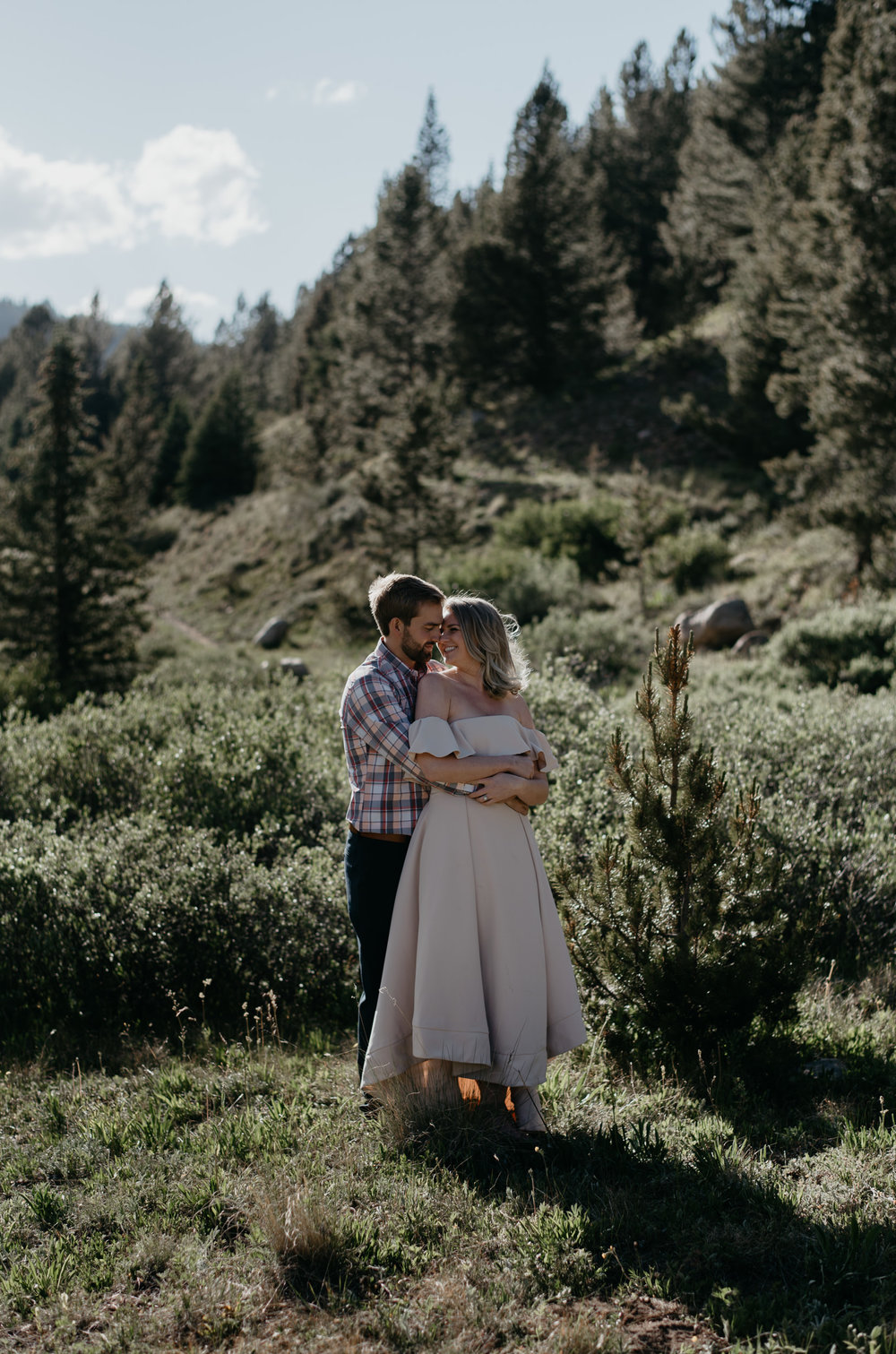 Colorado elopement and wedding photographer. Aspen, CO wedding.