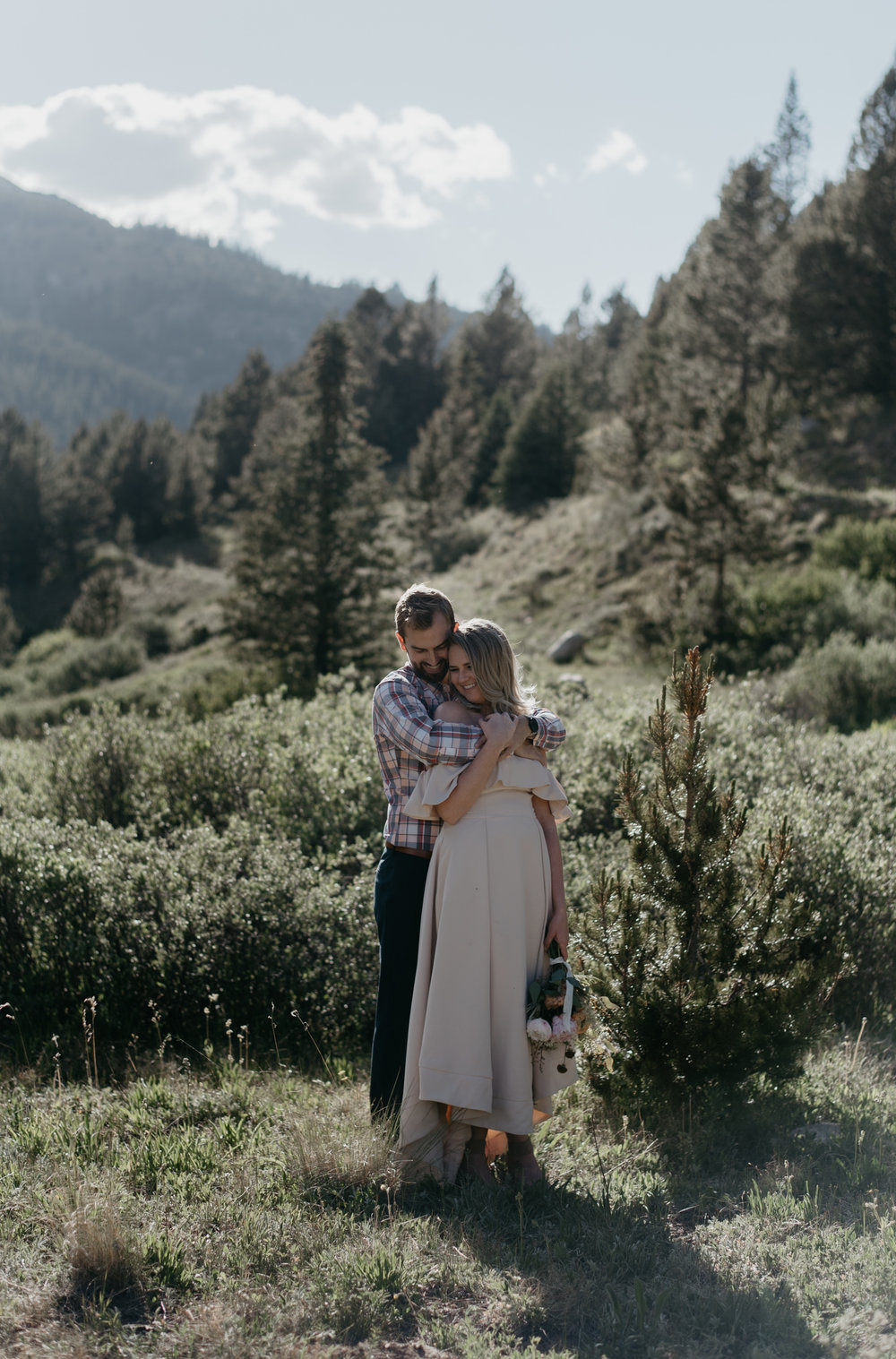 Aspen, Colorado destination wedding photographer. Colorado mountain elopement photographer.