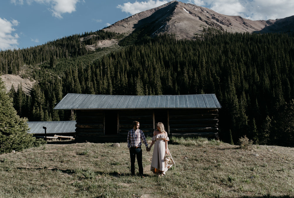 Destination mountain elopement in Aspen, Colorado. Colorado elopement and wedding photographer.