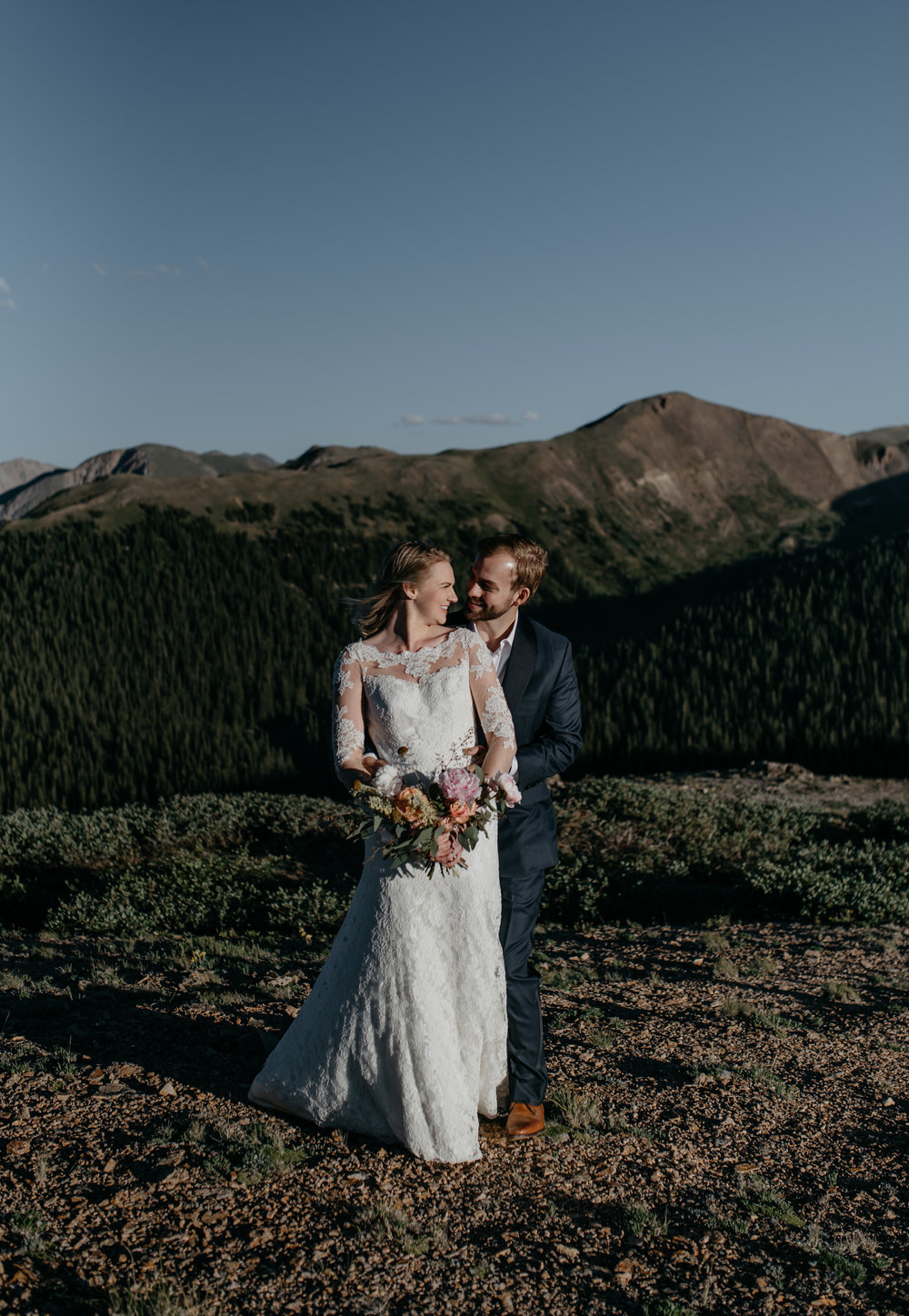 Mountaintop elopement in Aspen, Colorado. Denver wedding and elopement photographer.