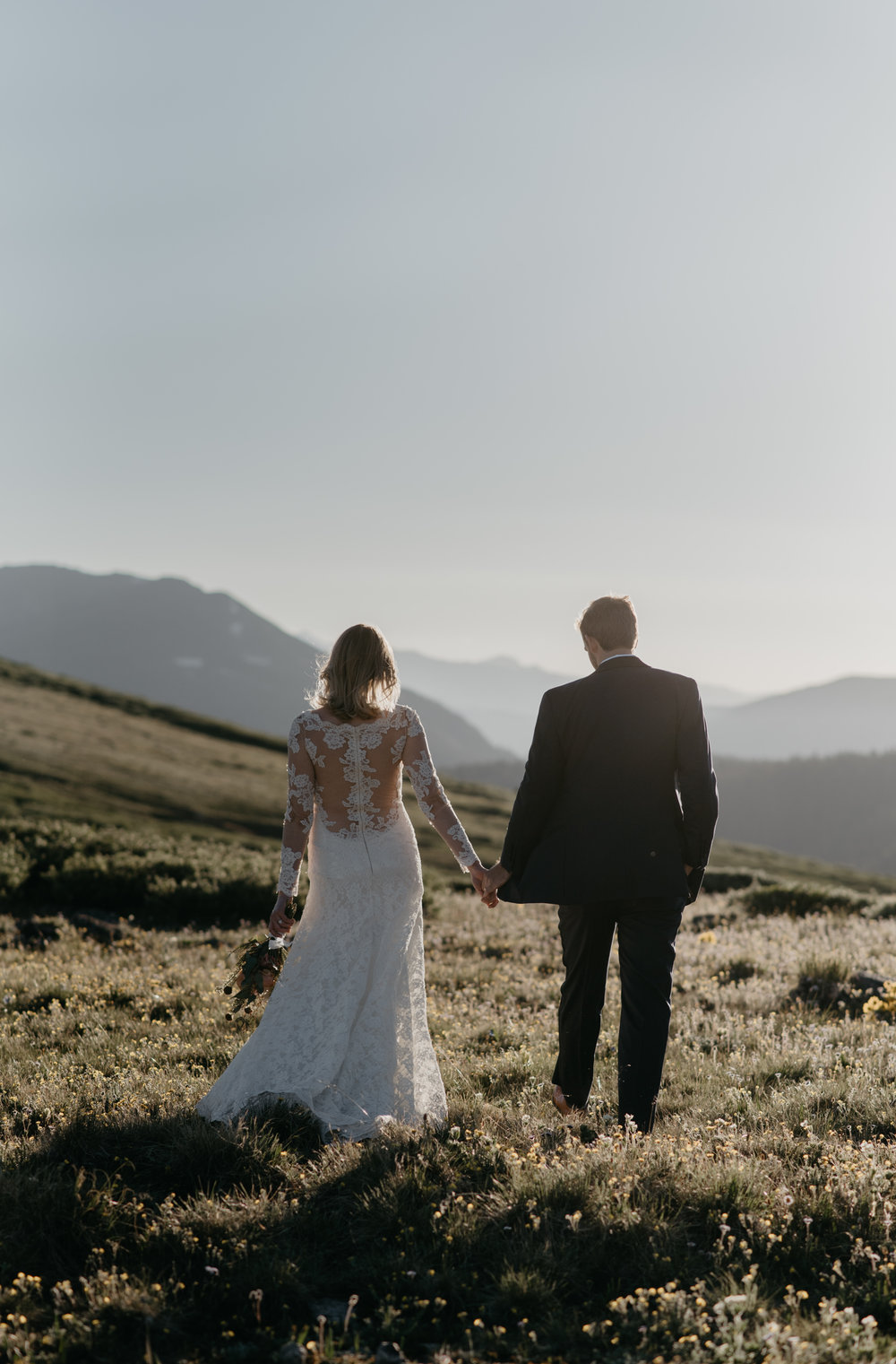 Independence Pass elopement in Aspen, Colorado. Aspen wedding and elopement photographer.