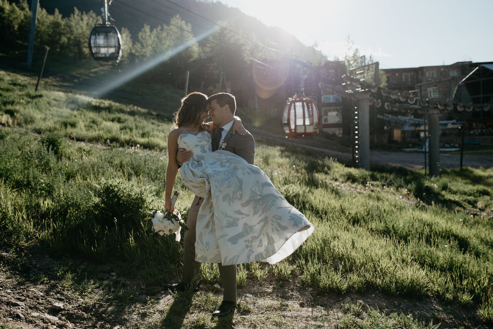 Alyssa Reinhold Colorado wedding and elopement photographer