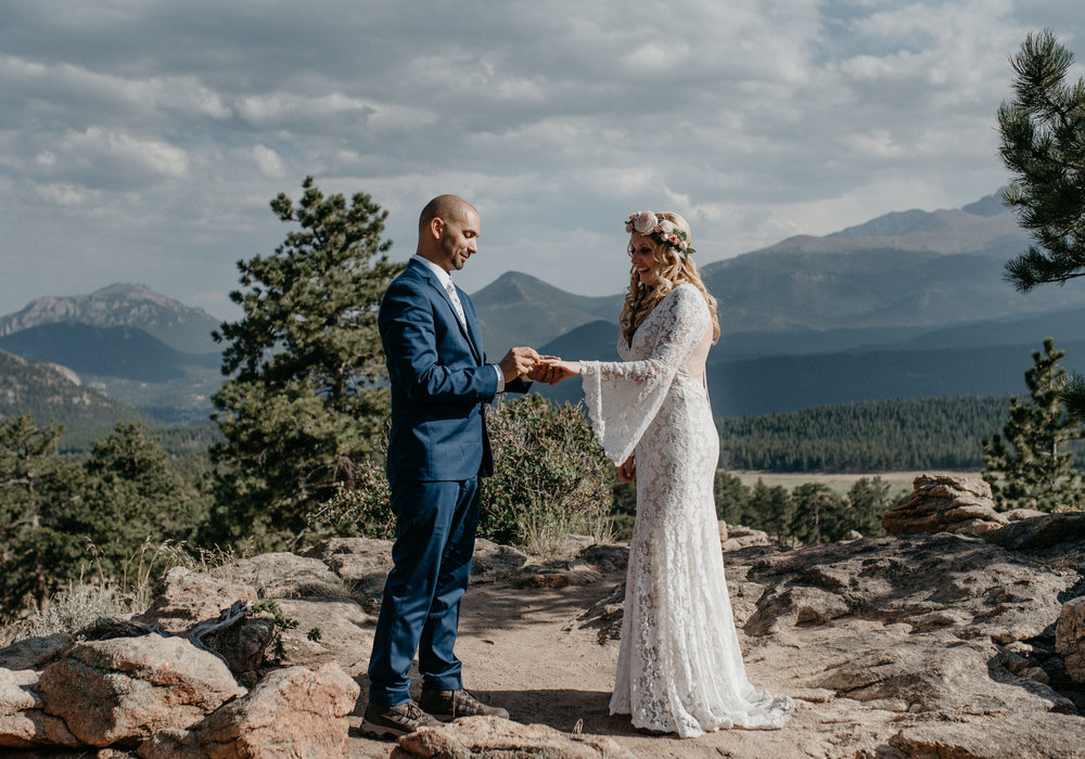 Denver based elopement and wedding photographer. Intimate wedding at 3M curve.