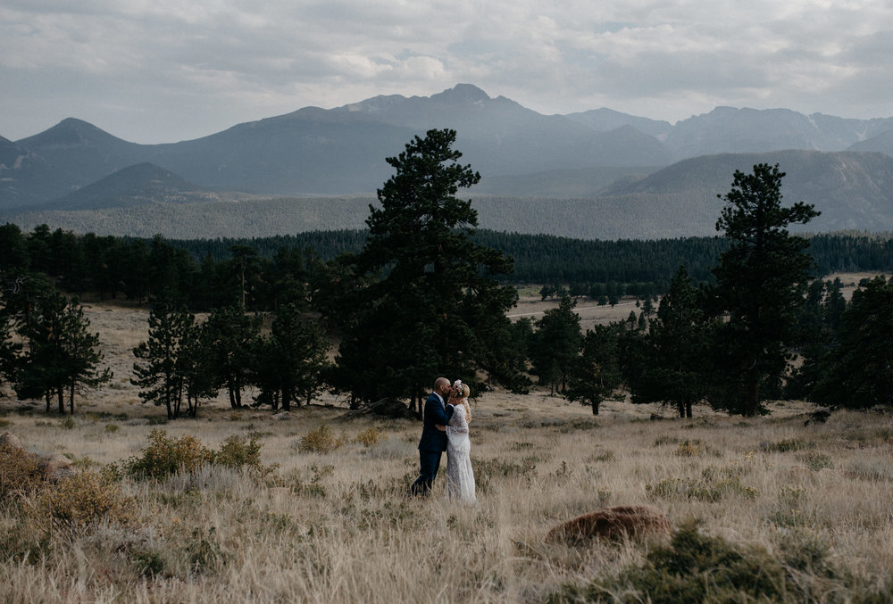Boho elopement at 3M curve in Rocky Mountain National Park. Colorado wedding photographer.