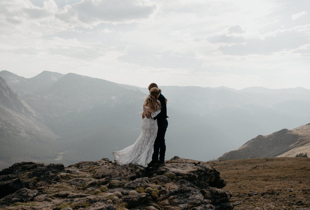 Rocky Mountain National Park intimate wedding. Denver wedding photographer.