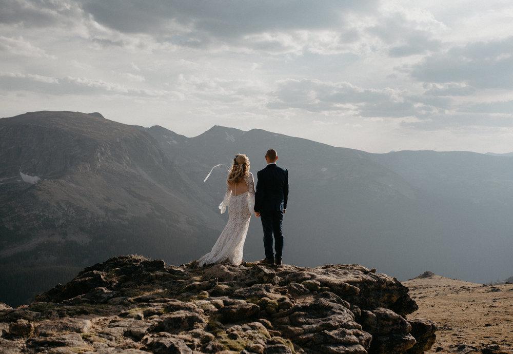 Colorado adventure elopement inspiration. Mountaintop elopement photographer.