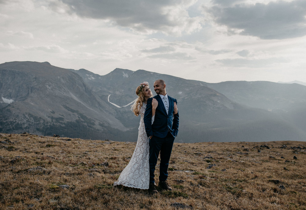 Trail Ridge Road adventure elopement. Colorado elopement and wedding photographer.