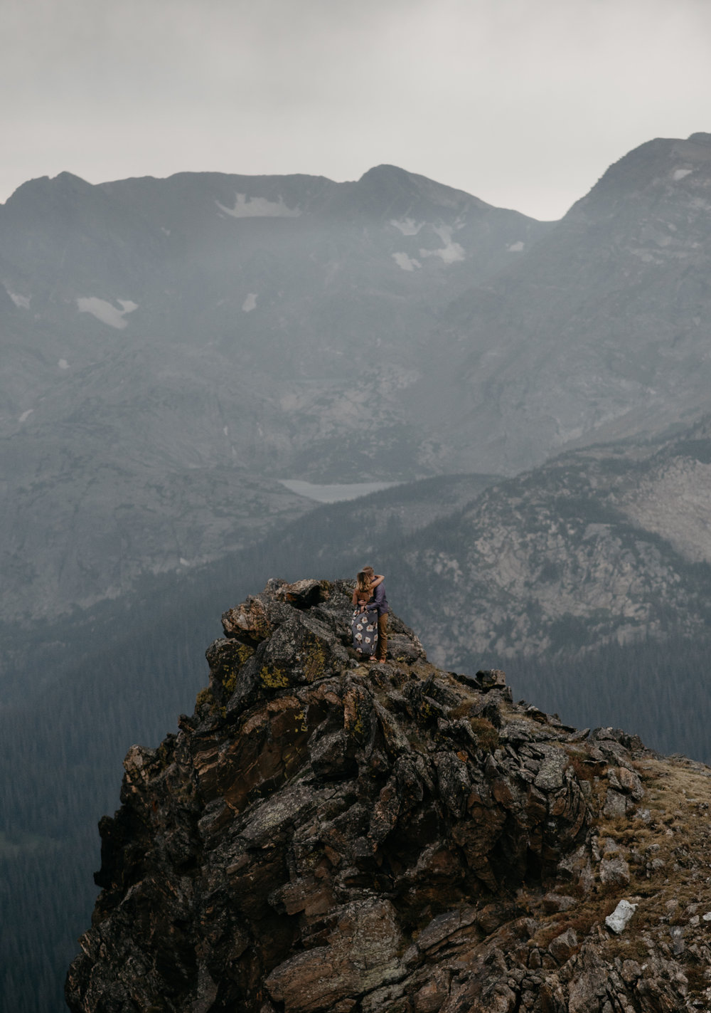 Rocky Mountain National Park elopement photography. Colorado wedding and elopement photographer. Adventure session on Trail Ridge Road.